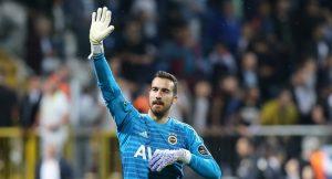Fenerbahçe kalecisi Süper Ligin zirvesine çıktı