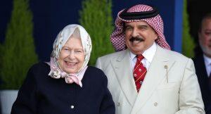 """Britanya Kraliçesi Elizabeth'in Bahreyn Kralını ağırlaması tepki çekti: """"Utanç verici"""""""