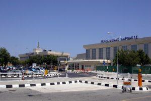 İngiltere'de aranan kişi Larnaka Havalimanı'nda tutuklandı