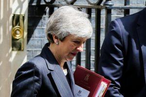 Brexit: İstifa baskısı altındaki Başbakan May yeni Brexit anlaşmasını açıklayacağı tarihi erteledi