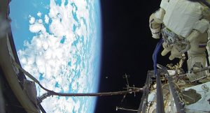 10 yıldır uzay boşluğunda yüzen havlu dünyaya geri getiriliyor