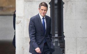 İngiltere'de Savunma Bakanı Gavin Williamson görevinden alındı