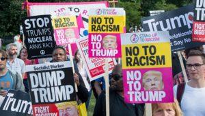 """Londra'da binlerce kişi Trump'ı protesto etmek için sokağa çıkacak, dev """"bebek Donald"""" balonu tekrar uçurulacak"""