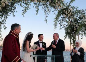 Mesut Özil'in nikah şahitliğini Cumhurbaşkanı Erdoğan yaptı