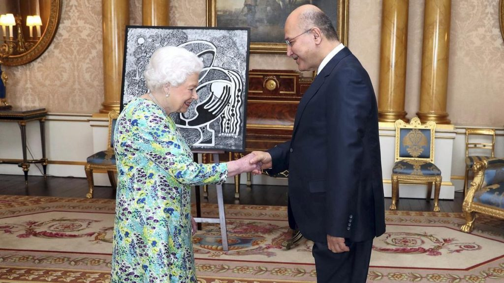 Elizabeth, 2003'ten bu yana ilk kez Irak Cumhurbaşkanı'nı kabul etti