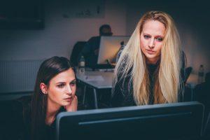 Uzun çalışma saatleri 'felç riskini' artırıyor