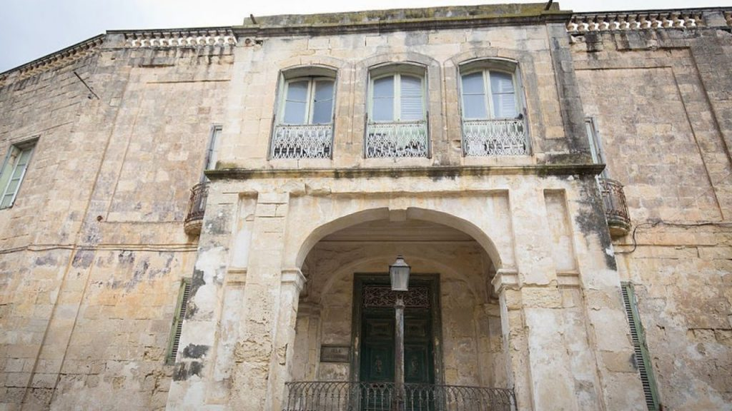 Elizabeth'in, Malta'daki evi 6 milyon Euro'ya satışa çıkarıldı