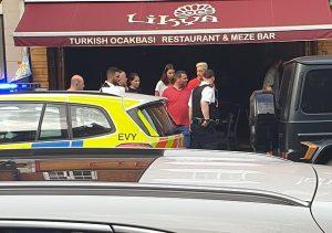 Mesut Özil'e Londra'da bıçaklı saldırı
