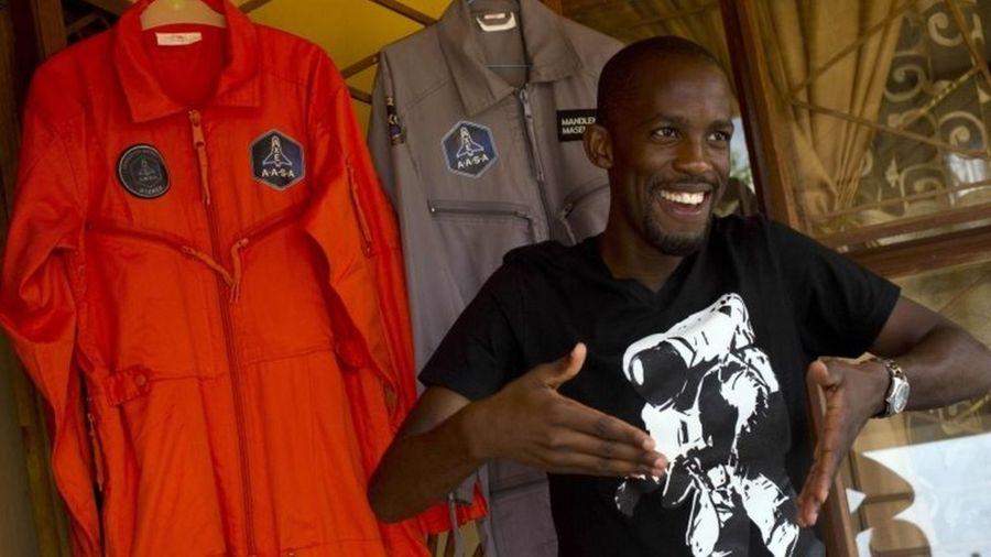 Uzaya gidecek ilk siyah Afrikalı astronot motosiklet kazasında öldü