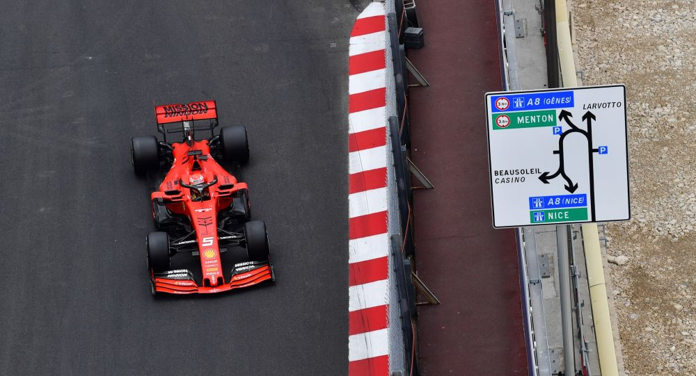 Formula 1 yarışı için İngiltere'ye getirilen Ferrari aracından 2 göçmen çıktı