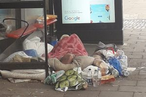 Dalston'da sokakta yaşayan Türk otobüs durağında ölü bulundu