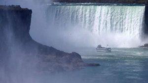 Niagara Şelalesi'nden düşen adam yara almadan kurtuldu