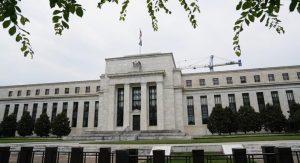Fed faiz indirdi