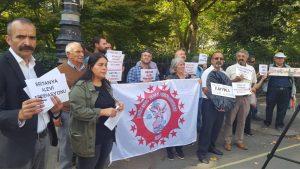Britanya Alevi Federasyonu kayyum atamalarını siyah çelenkle protesto etti
