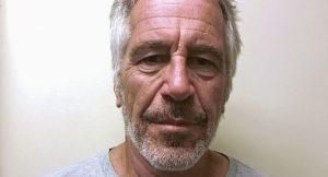 Otopsiye göre Epstein'ın boynunda birden çok yerde kırık var