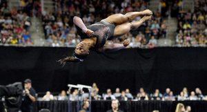 Jimnastikçi Simone Biles tarihe geçti