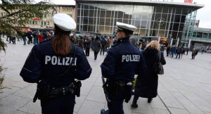 Almanya'da aylarca 'kadın polis' olarak görev yapan Ömer K. yakalandı