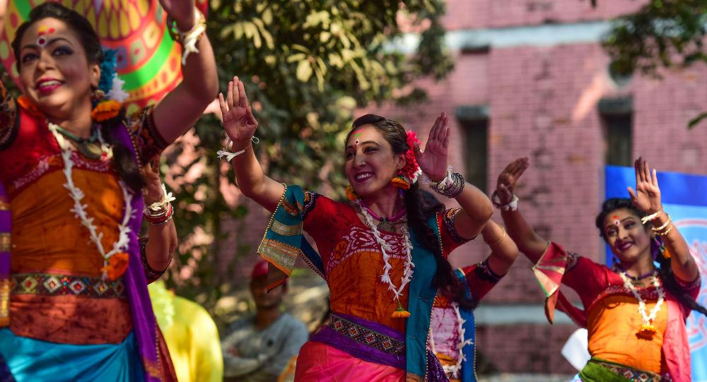 Bangladeş evlilik belgelerindeki 'bakire' seçeneğini kaldırıyor