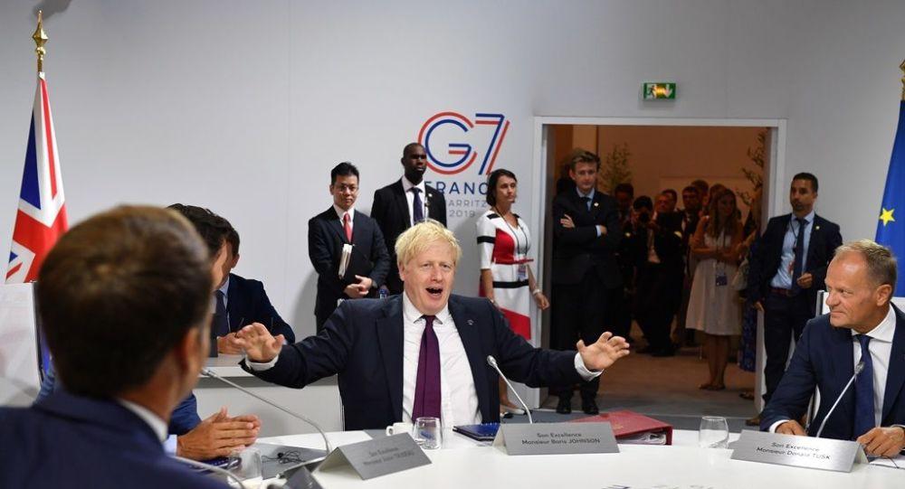 Johnson'a göre AB, Brexit'i 'yük' olarak görüyor