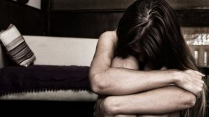 Kadına karşı şiddette cinayete giden süreçte sekiz evre yaşanıyor