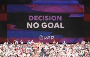 Premier Lig'de VAR ilk kez devrede