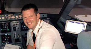 Pilotu ortadan kaybolan uçağı yolcu kullandı