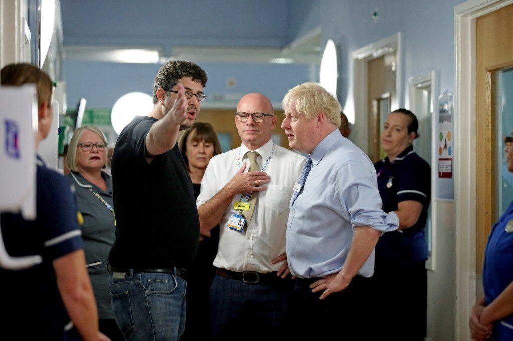 Çocuğu hastanede tedavi gören babadan Johnson'a tepki