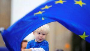 Avrupalılar Birliğin 20 yılda dağılacağına inanıyor