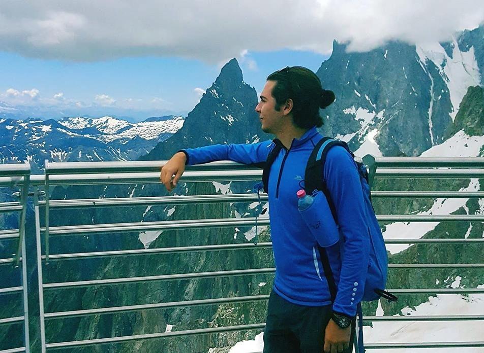 18 yaşındaki Doğa, Everest'e tırmanan ilk Kıbrıslı Türk olacak
