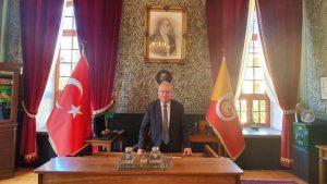 Galatasaray Lisesi müdürü Fenerbahçe üyeliğinden istifa etti
