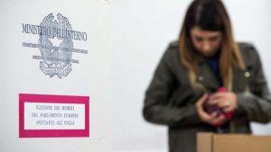 İtalya'da oy kullanma yaşının 16'ya düşürülmesi gündemde