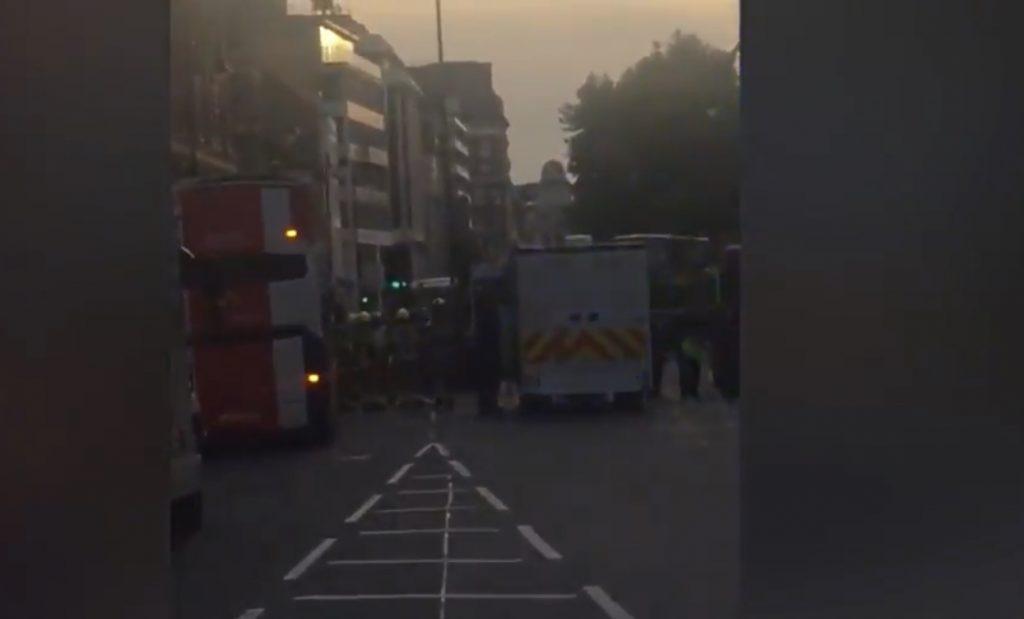 Londra'nın merkezinde kimyasal alarm