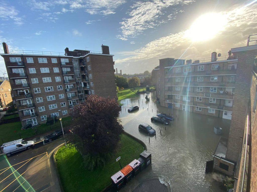 Finsbury Park'ta su baskını meydana geldi