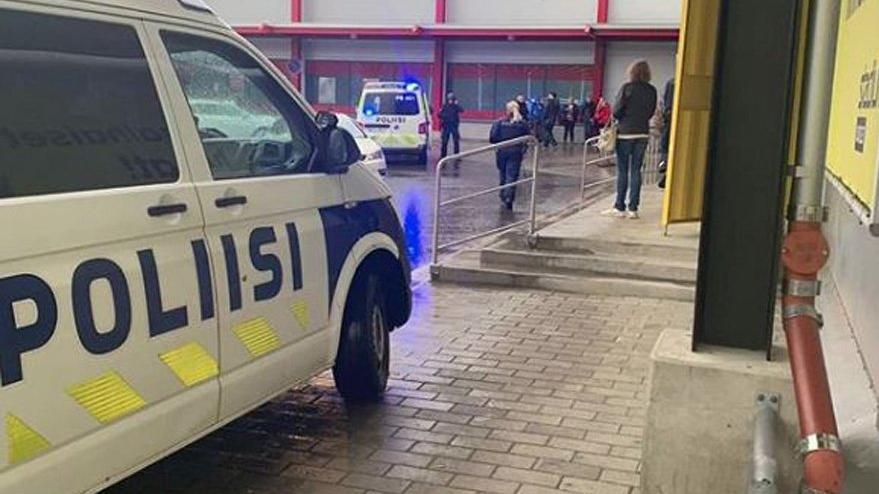Finlandiya'da  AVM'ye kılıçlı saldırı: Çok sayıda yaralı var