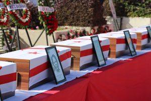 21 kişiye ait iskeletler Muratağa-Sandallar Şehitliği'ne defnedildi