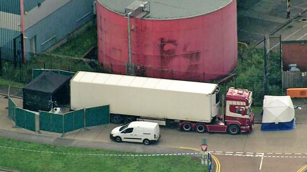 Essex'te bir kamyonda 39 ceset bulundu