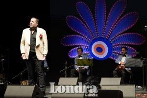 Ata Demirer Londra'da hem güldürdü hem oynattı