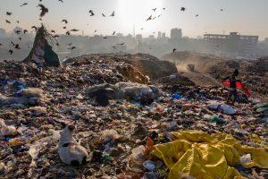 """""""Türkiye İngiltere'nin plastik atığını alıyor"""""""