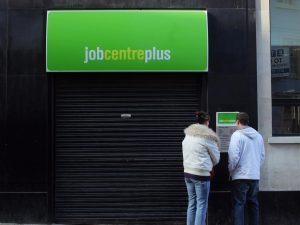 İngiltere'de işsizlik yükselmeye devam ediyor