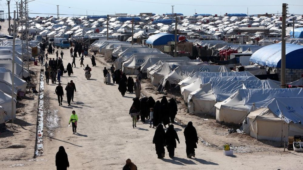 İngiltere Suriye'de yetim kalan bir grup İngiliz vatandaşı çocuğu ülkeye geri alıyor