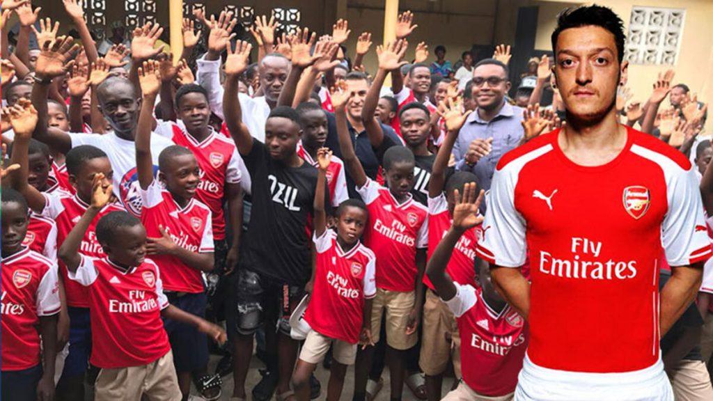 Mesut Özil'in adı hediye gönderdiği kulübe verildi