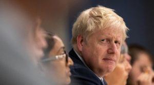 Başbakan Johnson bakanların Davos'a katılmasını yasakladı