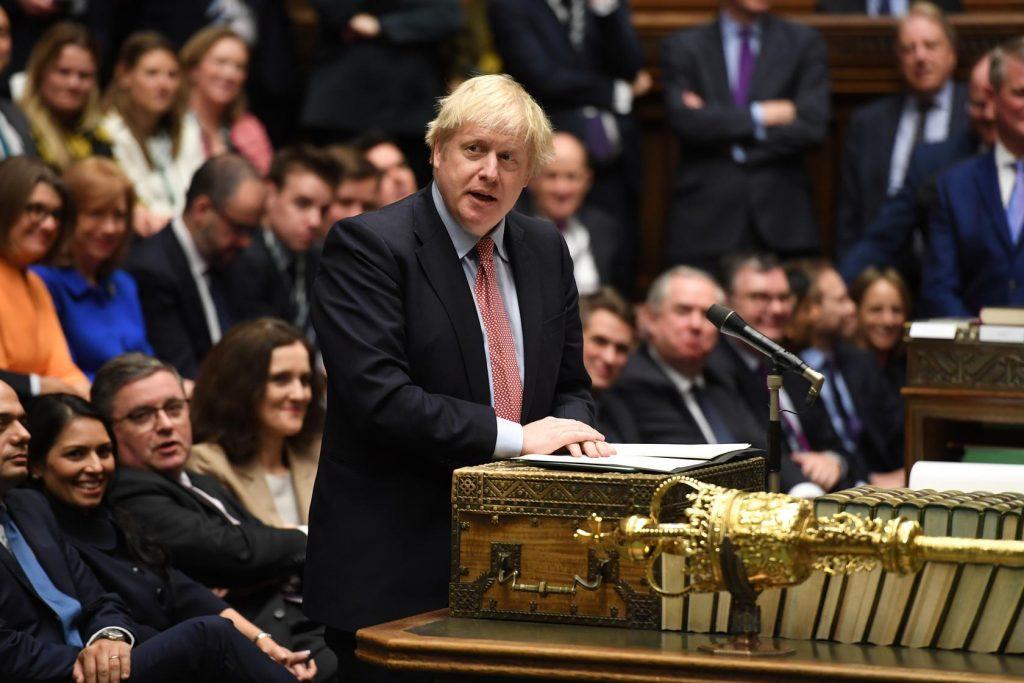 İngiltere Başbakanı Johnson yeni önlemleri açıkladı