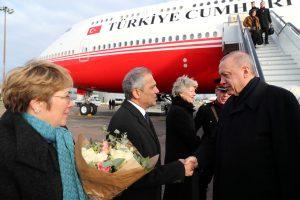 Erdoğan NATO zirvesine katılmak için Londra'ya geldi