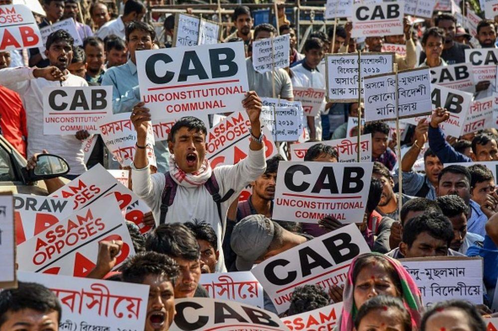 Hindistan hükümeti Müslümanlara ayrımcılık yapmakla eleştiriliyor