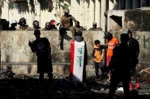 İngiltere Irak'ta göstericilere aşırı güç kullanılmasını kınadı