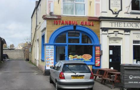 Türk kebapçıda yemekten hap çıktı iddiası