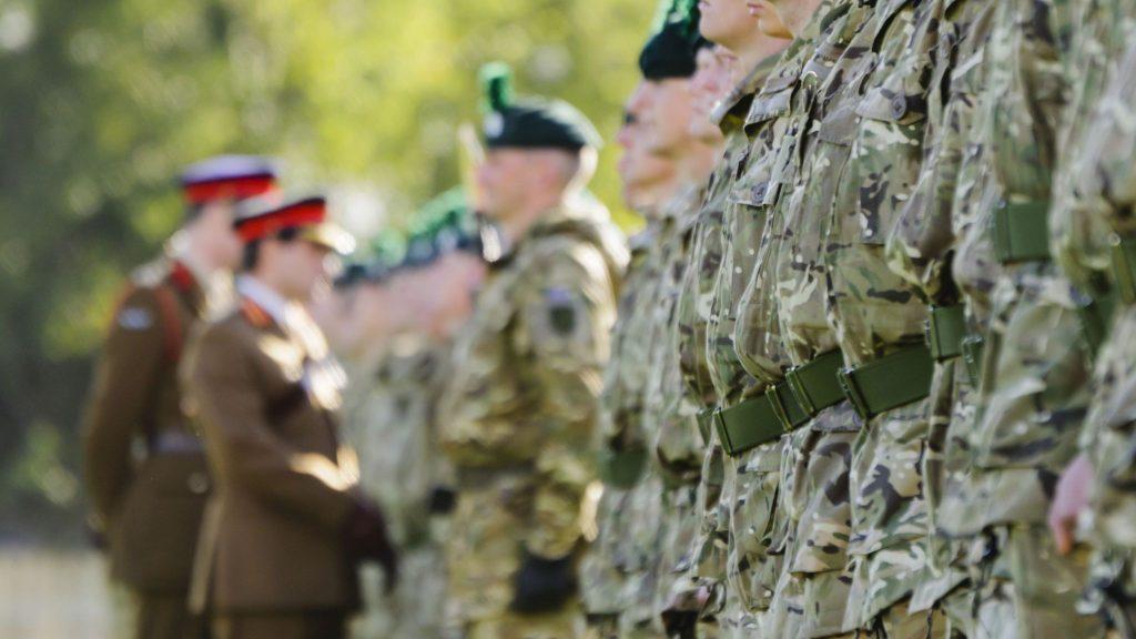 İngiliz ordusunda ırkçılığın yaygınlaştığı iddia edildi