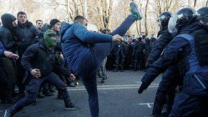 Ukrayna'da yabancılara tarla satışının önünü açan yasa ülkeyi karıştırdı