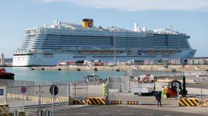 İtalya'da koronavirüs şüphesiyle gemiden inmelerine izin verilmeyenler arasında 27 Türk var